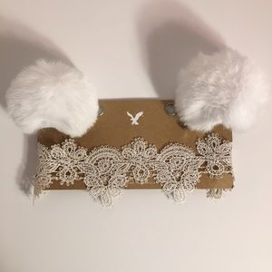 BRAND NEW American Eagle White Choker & Hair Clips